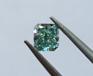 0.33 ct Cut-CorneredRectangular Cut Fancy Vivid Blue-Green SI1 – Sold